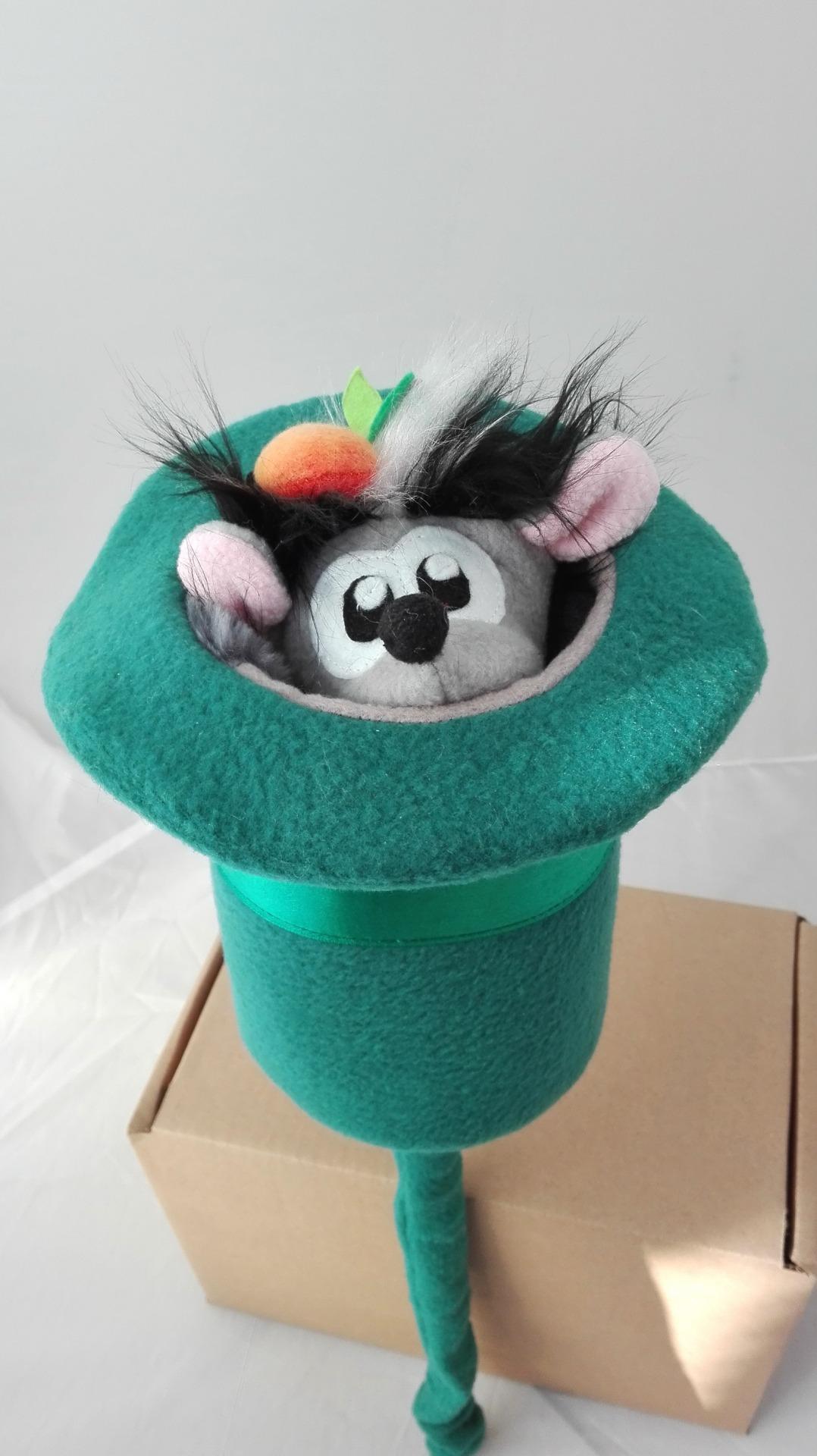 Ежик выпрыгивает из шляпы. Кукла - дергунчик . Кукла - прятка
